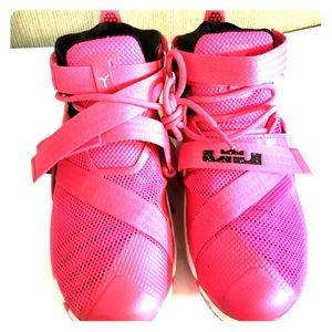 best website ffec4 a659f Women Lebron Breast Cancer Shoes on Poshmark